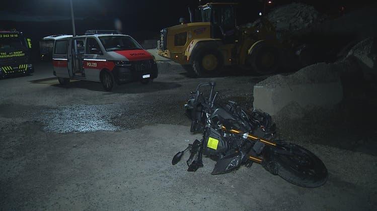 Der Radfahrer überlebte den Zusammenstoss mit dem Motorrad nicht. (brkb news)