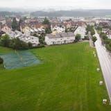 Eine von zwei Varianten: An der Weideggstrasse in Arnegg wird ein neues Schulhaus gebaut. (Bild: Ralph Ribi)