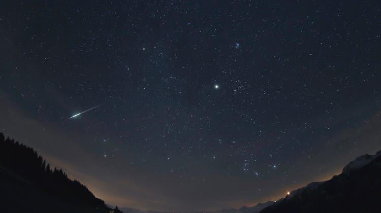 Diese Sternschnuppe hielt Jonas Schenker, Präsident der Astronomischen Vereinigung Aarau im Jahr 2012 fest. (zvg)