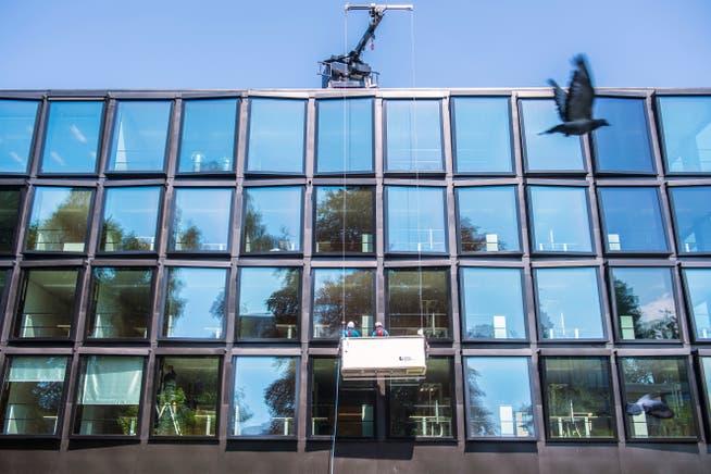 En la sede de la compañía de seguros Helvetia.