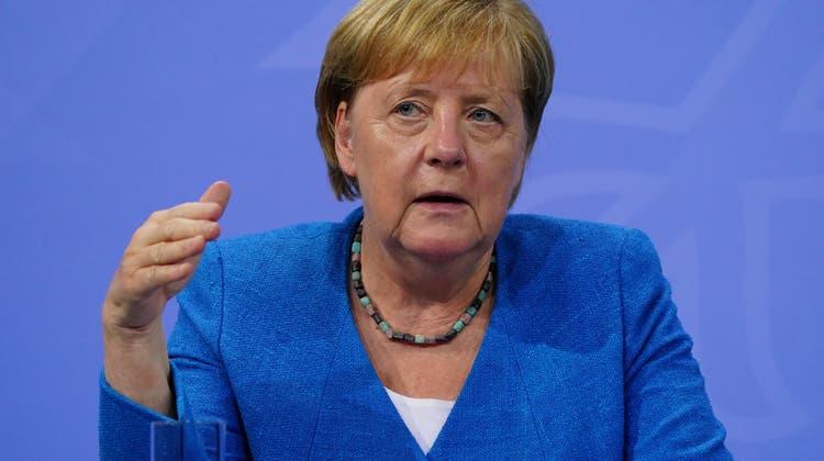 Appelliert an die Bevölkerung, sich impfen zu lassen: Kanzlerin Angela Merkel am Dienstag in Berlin. (Clemens Bilan /10. August 2021)