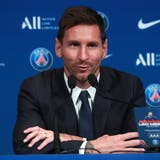 Lionel Messi bei seiner Präsentation am Dienstagvormittag im Parc des Princes. (Christophe Petit Tesson / EPA)