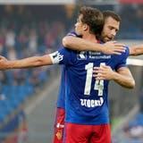 Pajtim Kasami und Valentin Stocker feiern das zweite von vier Toren. (Freshfocus)