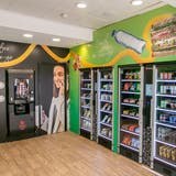Am Bahnhof Croydon in London testet Selecta derzeit die neuen Selbstbedienungskonzepte mit Kaffeemaschinen und intelligenten Kühlschränken. Früher stand hier ein bedientes Café. (zVg)