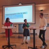 Diskussion über Ehe für alle am Parteitag der FDP Aargau, mit Nationalrätin Maja Riniker, Parteipräsidentin Sabina Freiermuth und dem Jungfreisinnigen Fabian Grepper. (Fabian Hägler)