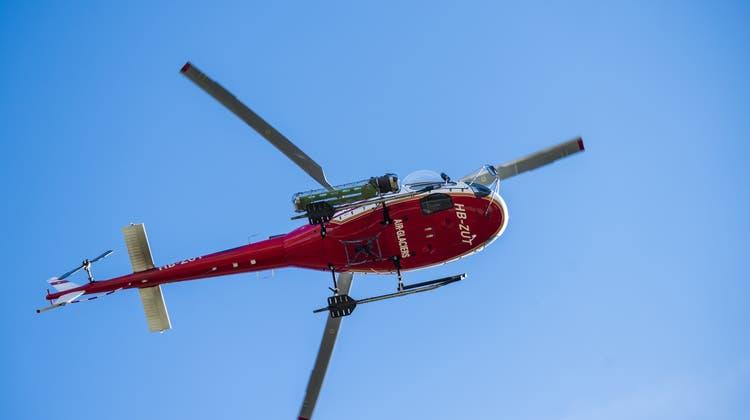 Bei der Bergung stand auch ein Helikopter im Einsatz. (Archivbild) (Keystone)