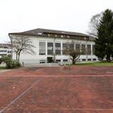 Die Turnhalle Oberhofen dürfte Münchwilen wohl erhalten bleiben. Nebst einer 246 Unterschriften schweren Petition stellt sich nun auch die Schulbehörde gegen den Abbruch des denkmalgeschützten Baus. ((Bild: Donato Caspari))