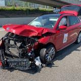Die 49-jährige Skoda-Fahrerin verletzte sich beim Unfall, den sie selbst verursacht hatte, leicht. (Kapo AG)