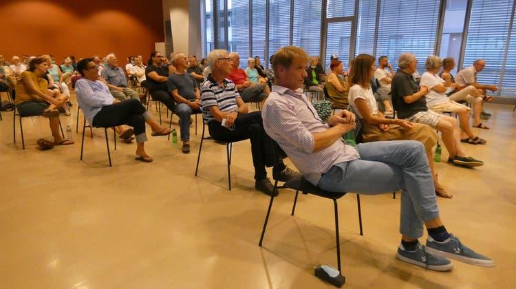 Die Informationsveranstaltung in Windisch zur Zukunft des Quartierladens war bis auf den letzten Platz besetzt. (Ina Wiedenmann)