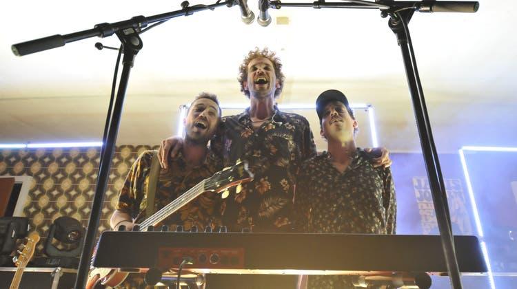 Die Band Say Yes Dog konzertierte am Freitagabend am Kultling-Festival auf der Bühne des See-Burgtheaters. (Bild: David Hauser)