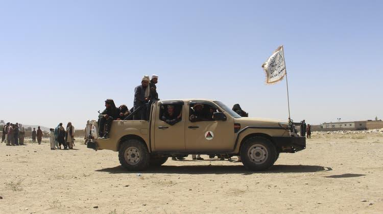 Taliban-Kämpfer. Hier im Südwesten von Kabul, der afghanischen Haupstadt. (Gulabuddin Amiri / AP)