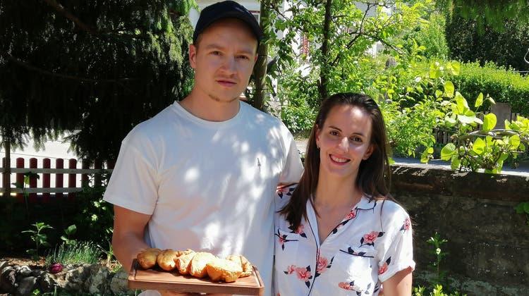 Junges Unternehmerpaar: Henrik Hertel und Karina Parombarini haben mit ihren Empandas-Lieferdienst ein Geschäftsmodell entwickelt. (zvg)