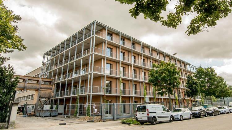 Das Bundesasylzentrum Basel liegt neben dem Gefängnis und Ausschaffungsgefängnis Bässlergut. (Nicole Nars-Zimmer)