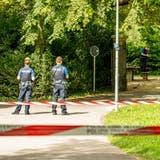 Ein verletzter 16-Jähriger löste am Montagmorgen einen Polizeieinsatz vor dem Gymnasium Münchenstein aus. (Nicole Nars-Zimmer)