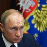 Sieht in den Taliban auch Verhandlungspartner: Russlands Präsident Wladimir Putin. (Alexei Nikolsky / AP)