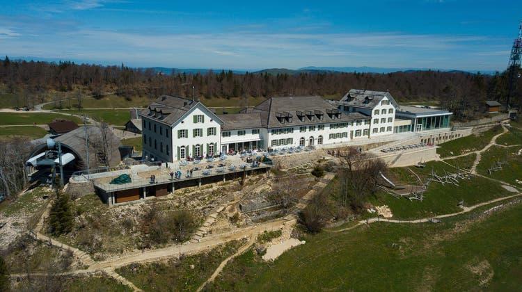 Hotel und Kurhaus Weissensten mit Juragarten und Seilbahnstation. (Oliver Menge)
