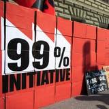 Schachteln mit den Unterschriften stehen bereit, bei der Einreichung der 99-Prozent-Initiative, am Dienstag, 2. April 2019 in Bern. (KEYSTONE/Peter Klaunzer) (Peter Klaunzer / KEYSTONE)