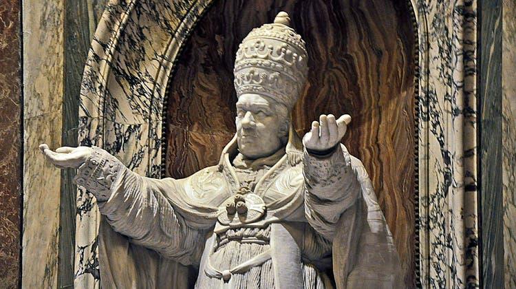 Marmorfigur Pius' X. in der Petersbasilika in Rom. (Bild: Andreas Faessler)