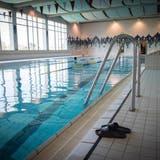 Das Schwimmbad Sonnenrain in Wittenbach wurde in den 1970er-Jahren gebaut. (Bild: Ralph Ribi (24. April 2015))