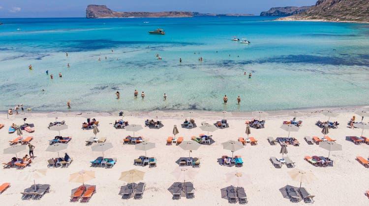 Der bei Touristen beliebte Balos-Strand auf Kreta: Auf der Ferieninsel schiessen die Corona-Zahlen in die Höhe, es gilt neu eine nächtliche Ausgangssperre. (Bild: Nurphoto/NurPhoto)