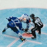 Die ZSC Lions (weiss) gewinnen das Eröffnungsspiel gegen dieSchwenninger Wild Wings mit 4:3 nach Penaltyschiessen. (Andri Vöhringer)
