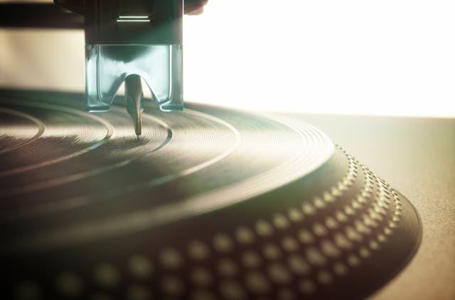 Die Nachfrage nach Vinylplatten explodiert plötzlich – jetzt steigt eine Schweizer Firma wieder ins Business ein