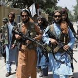 Bewaffnete Talibankämpfer in den Strassen von Kabul. (AP)
