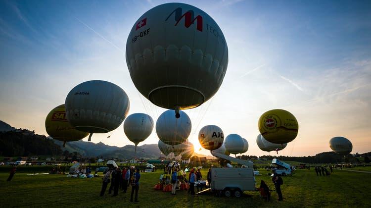 Die Gasballone kommen 2022 nach St.Gallen. Sie werden auf der Kreuzbleiche starten. (Bild: Valentin Flauraud / KEYSTONE (8. September 2017))