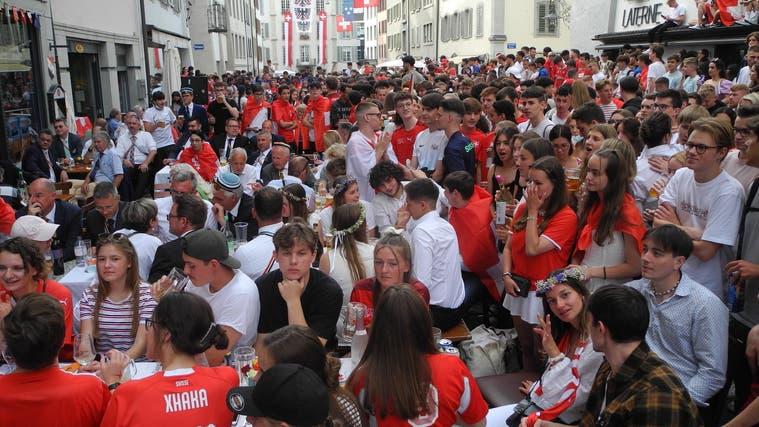 Es war viel los während der Fussball-EM in der Stadt Aarau. (Daniel Vizentini)