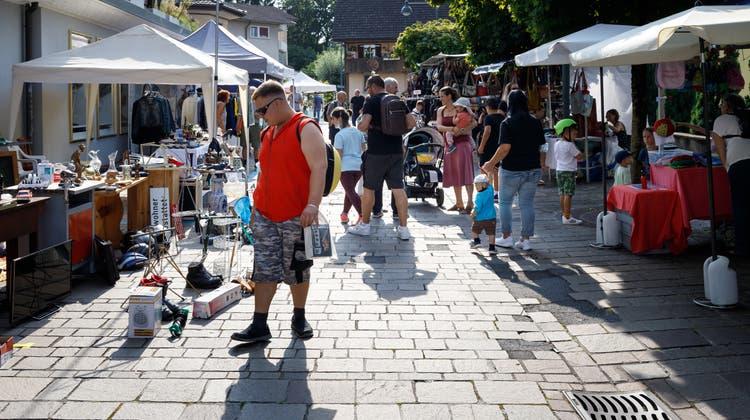 In Gerlafingen findet erstmals ein Märet im Dorfzentrum statt (Hanspeter Bärtschi / Solothurner Zeitung)