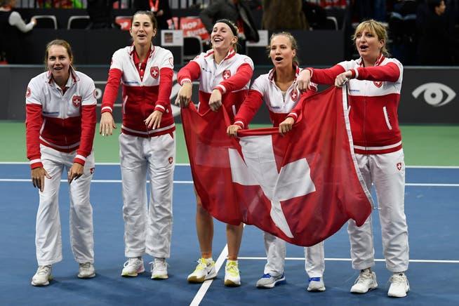 Amigos en la Fed Cup contra Canadá 2020: Stephanie Vokele, Belinda Benzik, Jill Teachman, Victoria Kolubic y Tima Baginsky (desde la izquierda).