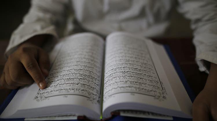 Die Texte für das Islamische Recht aus dem Koran werden in den muslimischen Länden verschieden ausgelegt und interpretiert. (Bild: Getty)