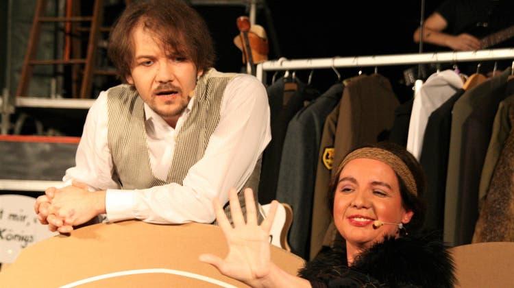 Benjamin Zingg und Daria Würz glänzen in ihren Rollen. (Peter Schütz)