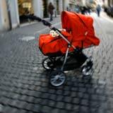 Dank der inzwischen erfolgten Geburt eines Kindes kommt ein Russe um die Ausweisung herum (Symbolbild). (Felix Gerber)