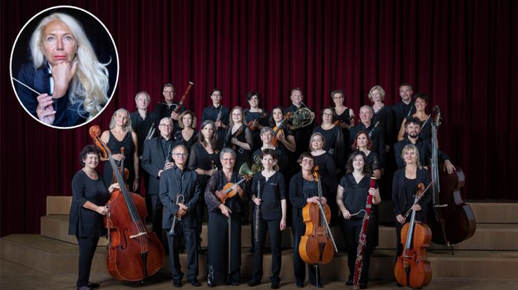 Mit Begleitung des Berner Kammerorchesters und zwei Violine-Solisten gibt Dirigentin Gabriella Carli klassische Werke von Johann Sebastian Bach und Arvo Pärt zum Besten. (zVg)