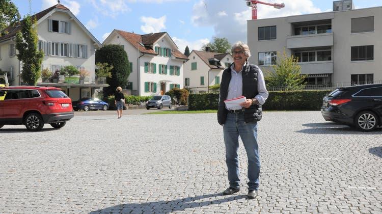 Andreas Weber gehört zu den Mitinitianten des Wohler Wochenmarktes auf dem Sternenplatz (Nathalie Wolgensinger)