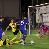 Trimbachs Nummer 99 Kushtrim Osaj war mit seinen drei Treffern der Mann des Spiels gegen den FC Klus/Balsthal. (Patrick Lüthy)