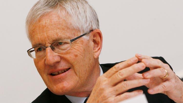 100'000 Franken für KasparVilliger – der frühere Bundesrat wird gleich dreifach gelobt