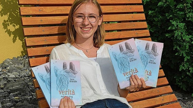 Eine Jugendliche auf der Suche nach der Wahrheit: Sara Brändle hat ein Buch geschrieben