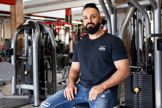 Celal Karakay, Inhaber des «American Gym» in Anglikon bei Wohlen, macht sich Sorgen wegen Mehrkosten und Einbussen.