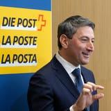 Nur ein bisschen hebt die Post die Preise für Briefe. Im Bild: Roberto Cirillo, neuer CEO der Schweizerischen Post. (Keystone)