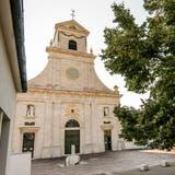 Mariano Tschuorund Abt Peter von Sury wollen, dass auch künftig viele Pilger ins Kloster Mariastein kommen. (Nicole Nars-Zimmer)