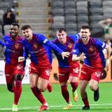 Am Ende brechen beim FC Basel alle Dämme: Die Basler ziehen in die Gruppenphase der Conference League ein. (Jonas Ekstromer / EPA)