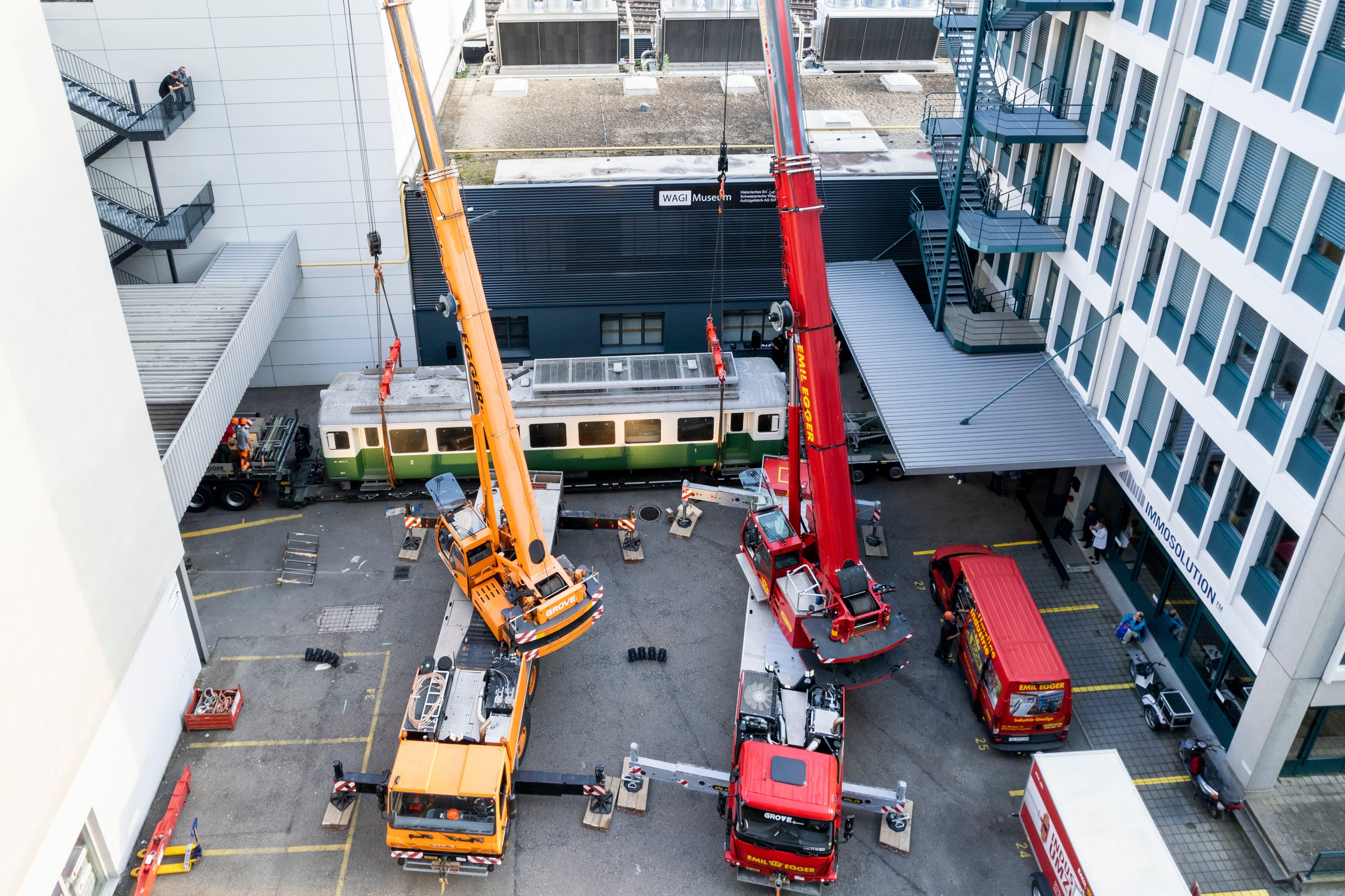 Am Donnerstag erhielt das Wagi-Museum in Schlieren ein neues Schmuckstück: den Triebwagen ABe 4/4 5 der eingestellten Tessiner Biasca-Aquarossa-Bahn.