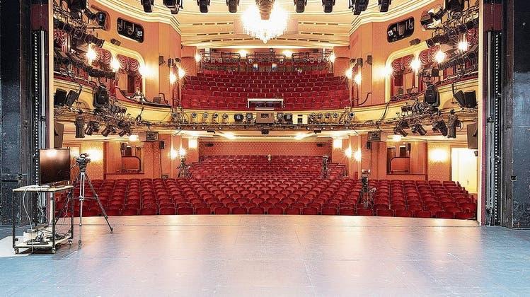 Blick durch das Portal des Zürcher Schauspielhauses in den historischen Theatersaal, der neu gebaut werden soll. (PD)