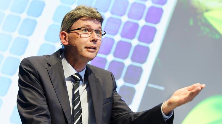 Jahresanlass HighTech-Zentrum Aargau 2021 im KUK Aarau: Regierungsrat Dieter Egli hält das Grusswort der Aargauer Regierung. (Andre Albrecht)