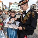 Die Brätmeister an der Stanser Älperchilbi 2019. (Bild: Edi Ettlin (Stans, 20. Oktober 2019))