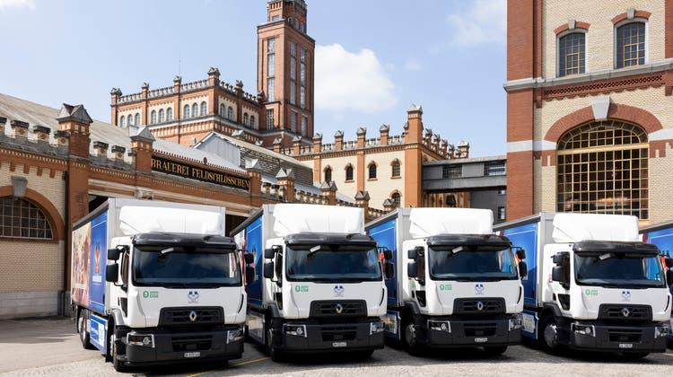 Die 26-Tonnen-Elektrolastwagen von Feldschlösschen sind ab sofort auf den Schweizer Strassen unterwegs. (Severin Bigler)
