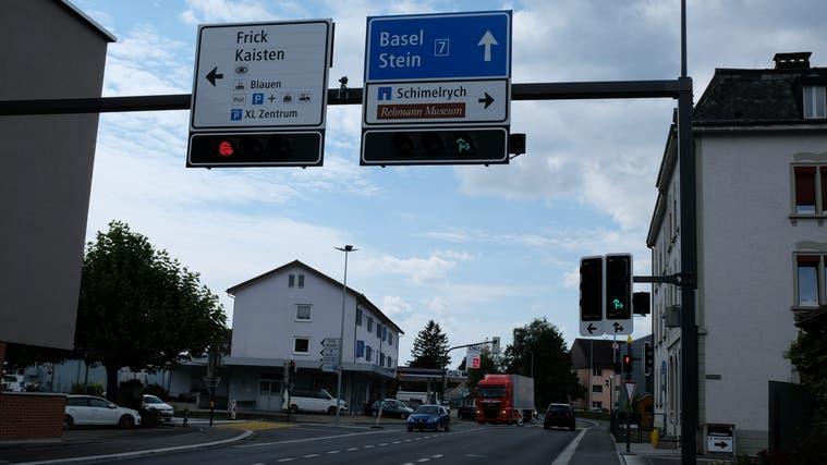 Eine Ampel regelt den Verkehr auf der Kreuzung an der K130. Das sorgte in den ersten Tagen auch für Kritik. (Andrea Worthmann (27. August 2021))