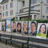 Die Wahlplakatwand beim Bahnhof Wettingen scheint den Vorschriften zu entsprechen. (Bild: Claudia Laube)
